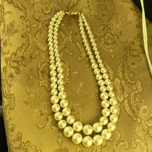 Jewelry - Costume double strand pearl( not real pearls.)